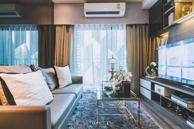 ขายคอนโดวงเวียนใหญ่ เจริญนคร : 🔥ราคาดีที่สุด🔥 Ideo Sathorn - Wongwianyai 2 bed พร้อมเฟอร์นิเจอร์ครับ ชั้นสูง เพียง 6.79 MB เท่านั้น