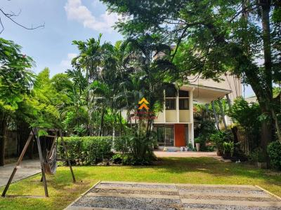 For RentHouseSukhumvit, Asoke, Thonglor : House for rent with pool in Thonglor area
