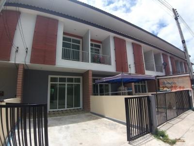 For SaleTownhouseCha am, Hua Hin : 2-story townhome near Palm Hills Golf Course Prachuap Khiri Khan