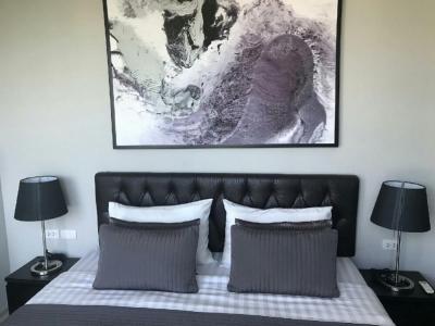 เช่าคอนโดอ่อนนุช อุดมสุข : Rhythm 44/1, connect to bts phakanong2 bed 1 bath 52 sqm for Rent/sell