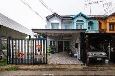 ขายบ้านสำโรง สมุทรปราการ : ขาย ทาวน์เฮ้าส์ เทพารักษ์ 86 (ตลาดหนามแดง) 30ตร.ว. หลังมุม โครงสร้างแข็งแรง