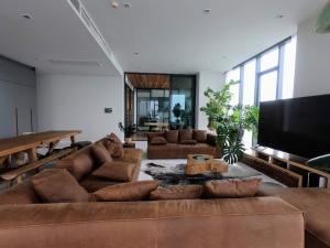 ขายคอนโดสุขุมวิท อโศก ทองหล่อ : 📢𝐓𝐡𝐞 𝐌𝐨𝐧𝐮𝐦𝐞𝐧𝐭 𝐓𝐡𝐨𝐧𝐠 𝐋𝐨 3ห้องนอน 253ตรม ชั้นสูง วิวทองหล่อ บ้านเลขที่มงคลเรียกทรัพย์!!