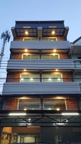 For RentShophouseRangsit, Patumtani : RP071 Commercial building for rent, 6 floors, 2 booths, Phaholyothin 65.