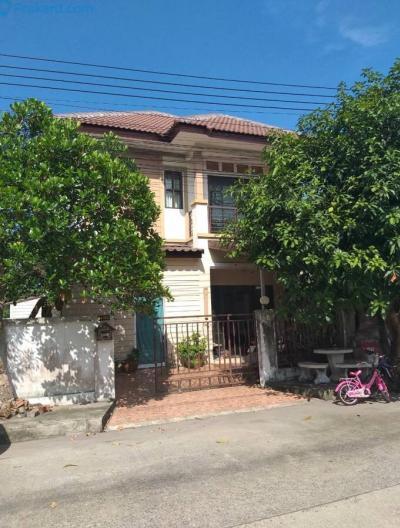 For SaleHouseRamkhamhaeng,Min Buri, Romklao : Very cheap sale! 2-storey house, 51 square meters, Temsiri Place 3 Village, Nong Chok, Bangkok, the price is only 2.99 million, near Big C Nong Chok, Lotus Nong Chok.