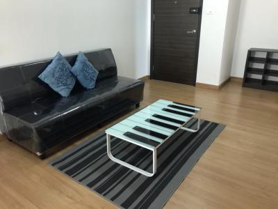 For RentCondoRattanathibet, Sanambinna : For rent, 2 bedrooms, 1 bathroom, 68 sqm, carrying luggage into it. Corner room