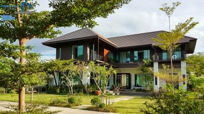 For SaleHouseChiang Mai, Chiang Rai : 218 sqw 450 sqm. Sankampang Big House for sale with Best Access