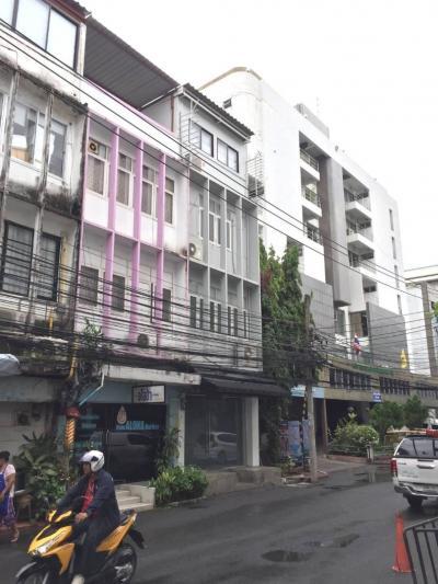 For RentShophouseSukhumvit, Asoke, Thonglor : Commercial building for rent in Sukhumvit 51 near BTS Thong Lo