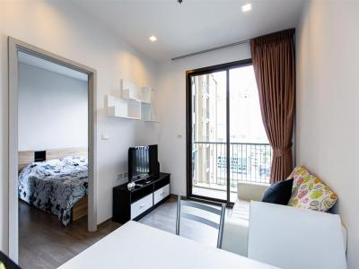 For SaleCondoWongwianyai, Charoennakor : 1 bedroom for sale, Nye by sansiri, very good price. The owner is ready to sell the fully furnished, beautiful room, pool view.