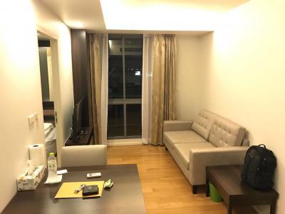 For RentCondoWitthayu,Ploenchit  ,Langsuan : Focus Ploenchit 1 bed 33 Sqm @BTS Ploenchit & Nana 20,000 ฿