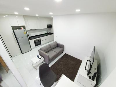 For RentCondoSukhumvit, Asoke, Thonglor : Prime Suites Soi 18 size 1 Bed 35 Sqm @BTS Asoke  20,000.-