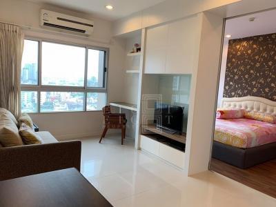 For RentCondoWongwianyai, Charoennakor : For Rent Q House Sathorn (58 square meters)