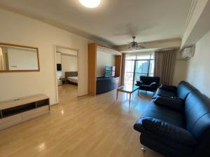 For RentCondoSukhumvit, Asoke, Thonglor : 40,000 THB from 50k @Royal Castle 39 (3 Beds 140sqm) @BTS Phrom Phong
