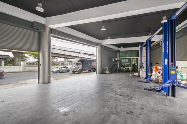 เช่าสำนักงานนวมินทร์ รามอินทรา : ให้เช่าอาคารสำนักงาน 3ชั้นและโชว์รูมสินค้า ถนนรามอินทรา ทำเลดีเดินทางสะดวก