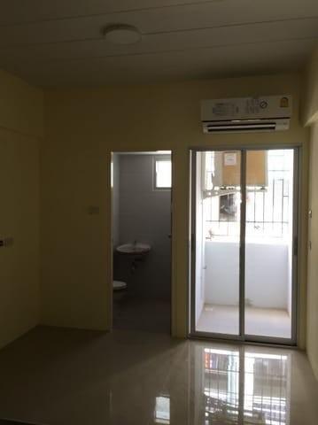 ขายขายเซ้งกิจการ (โรงแรม หอพัก อพาร์ตเมนต์)ปิ่นเกล้า จรัญสนิทวงศ์ : ขายอพาร์ทเมนท์สร้างใหม่ 2 ตึก ซอยสิรินธร 7จำนวน138 ห้อง