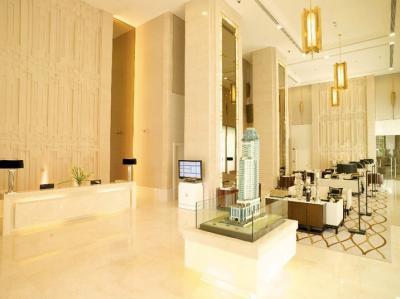 ขายคอนโดวิทยุ ชิดลม หลังสวน : Q Langsuan: Super hot deal 2B 2B Size 85 (only 21x,xxx/sq m) very high floor, City view, Fully furnished, Classy interior, Nice layout, Very good conditioned Sell 18.2 MB only