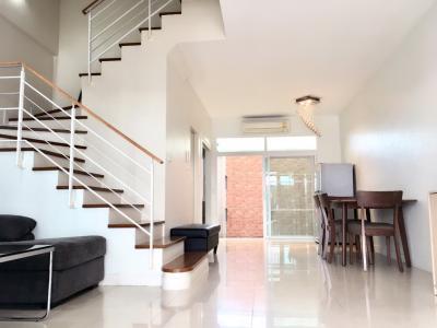 For RentTownhousePattanakan, Srinakarin : House for rent in the city of Urbian Srinakarin 46/1