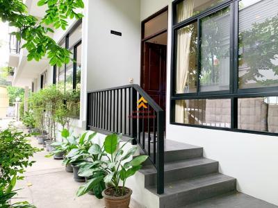 เช่าบ้านสุขุมวิท อโศก ทองหล่อ : 4 Beds in small compound for rent 120K!!
