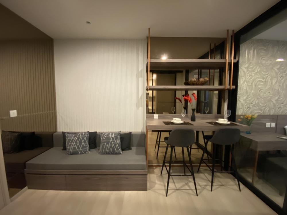 เช่าคอนโดพระราม 9 เพชรบุรีตัดใหม่ : ให้เช่า Life Asoke 1 Bedroom 35 ตรม. มีห้องแต่งตัว แต่งสวย บิ้วอินทั้งห้อง ที่เก็บของเยอะ 082-459-4297