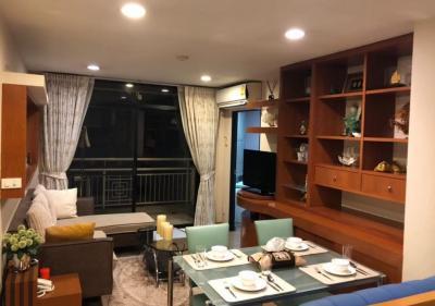 เช่าคอนโดสีลม บางรัก : คอนโดกรีนพอยท์ สีลม เช่า 25,000 บาทCondo for rent at Green Point Silom on 7 floor 2Bedrooms 73 sq.m Condo Near BTS Chong Nonsi &Saladang  Bangkok, Thailand. fully furnished
