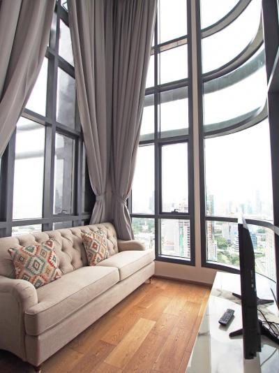เช่าคอนโดราชเทวี พญาไท : Q-Chidlom Rare Special Duplex on Top Floors with Stunning Panoramic View and Two Balconies with Tree