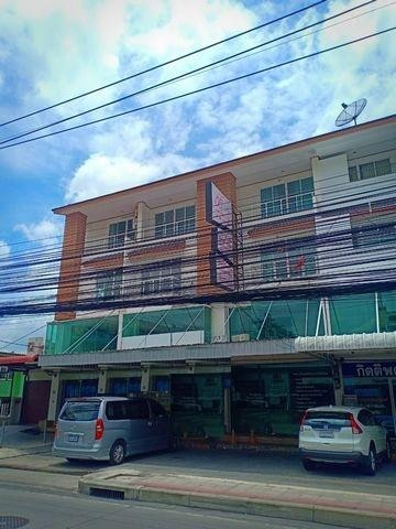 For RentShophouseLadprao 48, Chokchai 4, Ladprao 71 : Rent a commercial building 3.5 floors 2 adjacent booths. Ladprao area, suitable for cosmetic surgery clinics or spas.