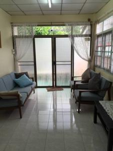 For RentHouseNawamin, Ramindra : Single house for rent Near Fashion Island Department Store Ramintra 68