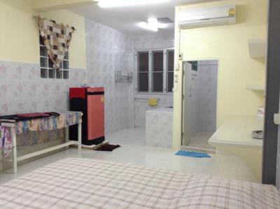 For RentCondoBang kae, Phetkasem : Apartment for rent Petchkasem 98/1 dormitory 2, Bang Khae, luxury, fully furnished 2999-3999 baht Soi Petchkasem 98/1, separate 2 right-hand opposite the Big C Petchkasem. Builtin, next to Petchkasem Rd. 40-50 sq. M. Balcony