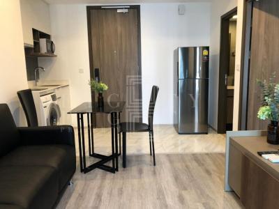 เช่าคอนโดพระราม 9 เพชรบุรีตัดใหม่ : For Rent Ideo Mobi Asoke ( 34 square metres )