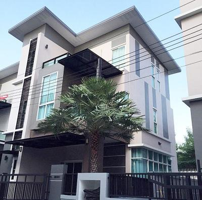 For RentHouseLadprao 48, Chokchai 4, Ladprao 71 : House for rent and sale Goodville Nakniwat 30 along Ekamai-Raminthra Near Central East Ville, 48 sq. Wah, 3 floors, 3 bedrooms