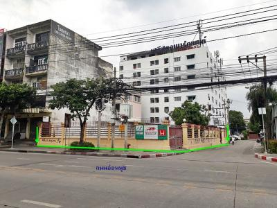 For SaleLandPattanakan, Srinakarin : Land for sale on Onnut Road Near two electric trains Ready to do more immediately