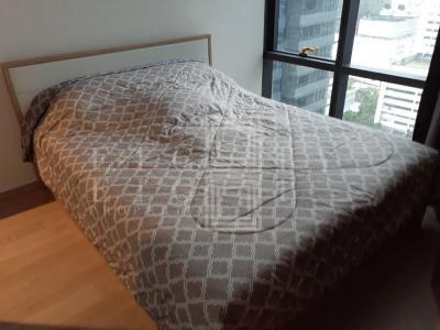 เช่าคอนโดสีลม บางรัก : For Rent Ashton Silom ( 32 square metres )