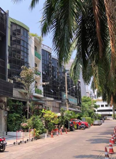 For RentShophouseSukhumvit, Asoke, Thonglor : Office for rent Supalai Place Sukhumvit 39 Size 400 sqm  close BTS Prompong