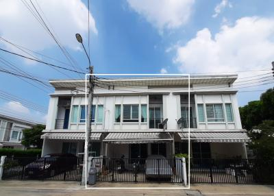 For SaleTownhouseNawamin, Ramindra : The cheapest. Townhouse for sale, Townhome Village, The Pleno. Ring-Ramintra Pleno 18 sq.w., on the main road, Bangkok