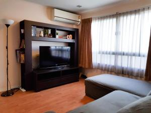 For SaleCondoRatchadapisek, Huaikwang, Suttisan : Condo for sale, Lumpini Ville Cultural Center. Meng Jai Intersection (For Sale Condo Lumpini Ville Cultural Center ) - Type 2 bedrooms, 2 bathrooms, 1 kitchen - Room size 60 sq.m., Building E, 7th floor, selling price 2,990,000 baht, transfer fee half