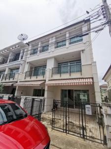 For RentTownhouseSamrong, Samut Prakan : For rent, Town home, Baan Klang Muang, Sukhumvit 113, Dan Samrong temple, 3 bedrooms, 3 bathrooms, new, behind the corner 26