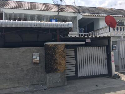 For RentTownhouseOnnut, Udomsuk : !!! Urgent for rent 38 square wah townhouse near BTS Bang Chak, very good location, great value for money !!!