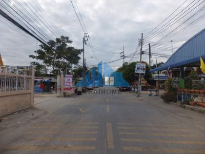 For SaleShophouseLadkrabang, Suwannaphum Airport : Land with 3-storey building, 4-2-97 Rai, beautiful plot, behind the Prawet Burirom canal, very good location, Soi Lat Krabang 3, suitable for allocating projects / offices Near the motorway 48,000.00 baht / Sq.