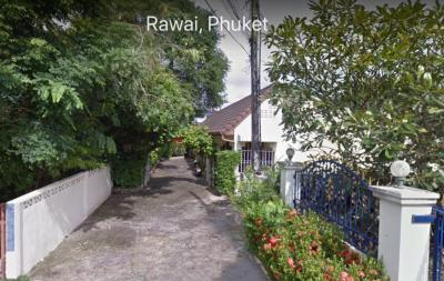 For SaleBusinesses for salePhuket, Patong, Samui, Hat Yai, Phang nga : Sell nice and good looking bungalow near Rawai beach Phuket on area of 1,188 square meters (0.294 acres).