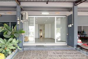 เช่าตึกแถว อาคารพาณิชย์พัทยา บางแสน ชลบุรี : (มีผู้เช่าแล้วค่ะ) อาคารพาณิชย์ 2 ชั้น 2 ห้องนอน (ทำเล บึง-ศรีราชา) ใกล้ตลาดบึงวรกิจ เปิดร้านค้า+พักอาศัยได้