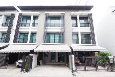 For RentTownhouseRamkhamhaeng, Hua Mak : RT302 House for rent in Klang Muang. Rama 9-Ramkhamhaeng 39