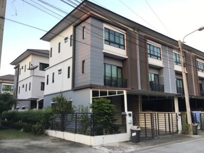 For RentTownhouseLadprao101, The Mall Bang Kapi : For rent, new beautiful townhouse Fully furnished Ladprao 126