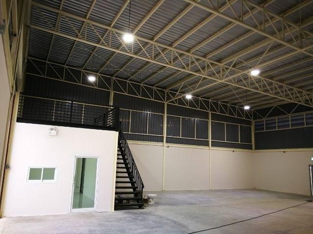 For RentWarehouseLadkrabang, Suwannaphum Airport : For rent warehouse with office on Nut area near Suvarnabhumi Airport.