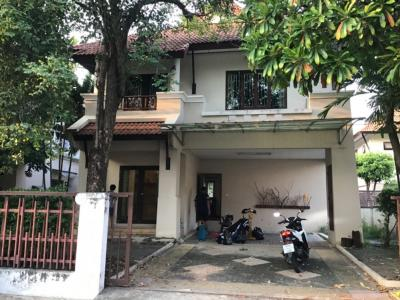 For RentHouseBang kae, Phetkasem : House for rent Next to The Mall Bang Khae Department Store Near the main train station.