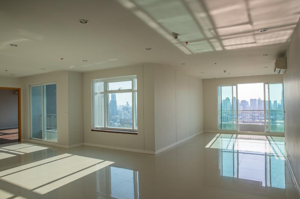 For SaleCondoRama9, RCA, Petchaburi : [FQ] Circle1 Tower2 35FL. 215sq.m 4 bedroomgood price&nice view
