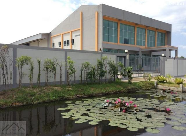 เช่าโรงงานสำโรง สมุทรปราการ : ให้เช่าโรงงานพร้อมออฟฟิศ บางนา กม.23 เนื้อที่ 3 ไร่ หน้ากว้าง 80 เมตรติดถนน พื้นที่สีม่วง