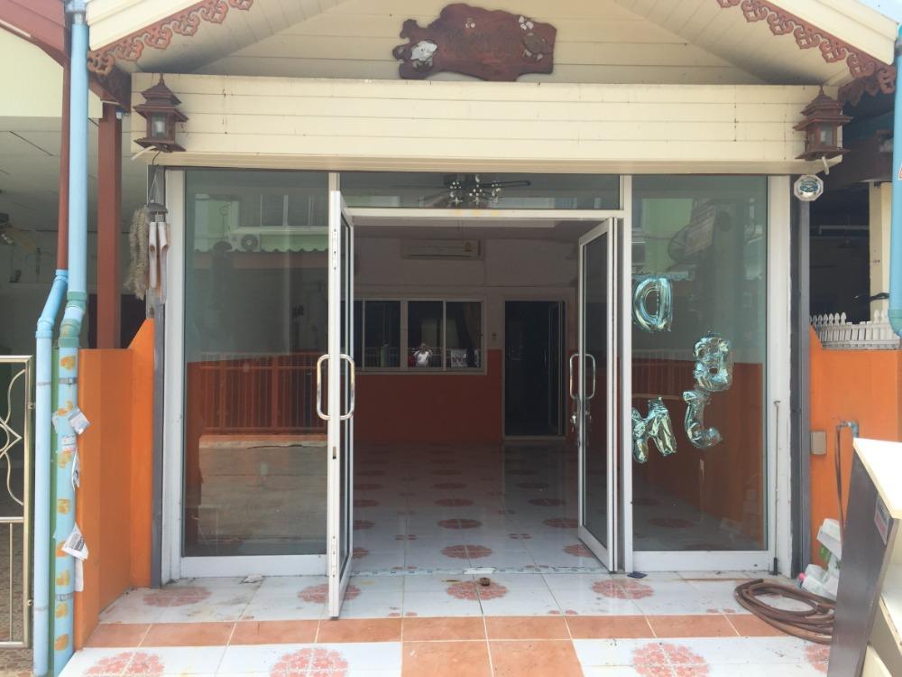 ขายทาวน์เฮ้าส์/ทาวน์โฮมระยอง : ทาวเฮ้าน์ 2 ชั้น รีโนเวท ตกแต่งสวย ต่อเติ่มเต็มพื้นที่ เหมาะพักอาศัย เปิดร้านเสริมสวย ร้านนวดสปา ราคาพร้อมจบ