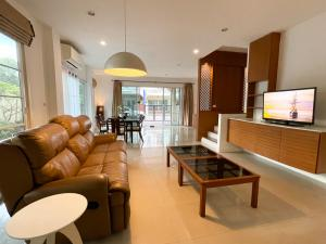 For RentTownhouseThaphra, Wutthakat : 4Bedrooms Sathorn-Ratchaphruek TOWNHOUSE FOR RENT- 3mins to BTS,MRT Bang-Wa