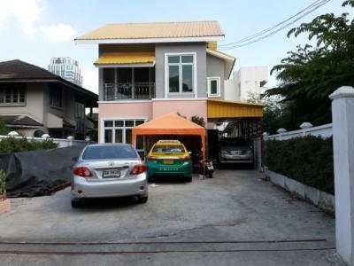 For RentHouseSapankwai,Jatujak : RH240 House for rent 90 Sq. In Tamara 21