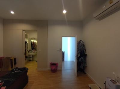 For RentTownhouseBang Sue, Wong Sawang : For rent 24000 Flora Wongsawang Flora Wongsawang, ready to decorate 20 wah, area using Soi 178 sq m