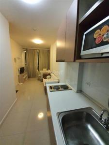 ขายคอนโดสะพานควาย จตุจักร : เจ้าของขายด่วน! Ideo Mix Phaholyothin 1ห้องนอนใหญ่ 38 ตร.ม. ราคา 4.35 ชั้นสูง 20+ นัดชมห้องได้ทุกวันค่ะ